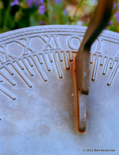 Sundial_2011-0608_bronek100002