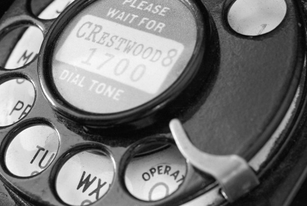 Please-Wait-for-Dial-Tone-2014-0224-NikFM2n-Delta100-Perceptol-26