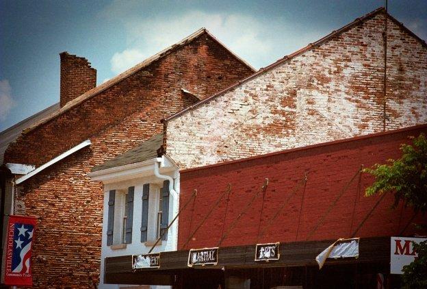 Nicholasville, Kentucky. (Nikon F4s, Kodak Portra 400)