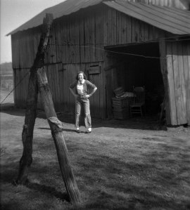 Ruth-on-Farm-2015-0216-Neg-08